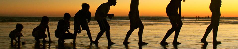 entrenador personal mide periódicamente tu cuerpo