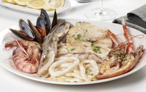 pescado y marisco con proteina