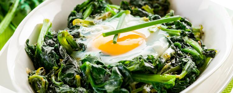 cenas ligeras espinacas con huevo