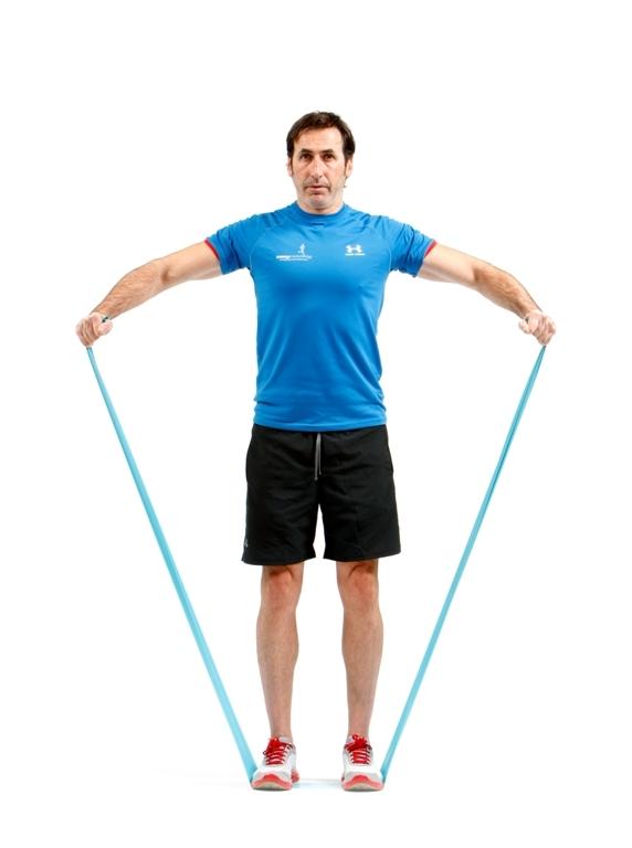 ejercicio de elevación con hombros
